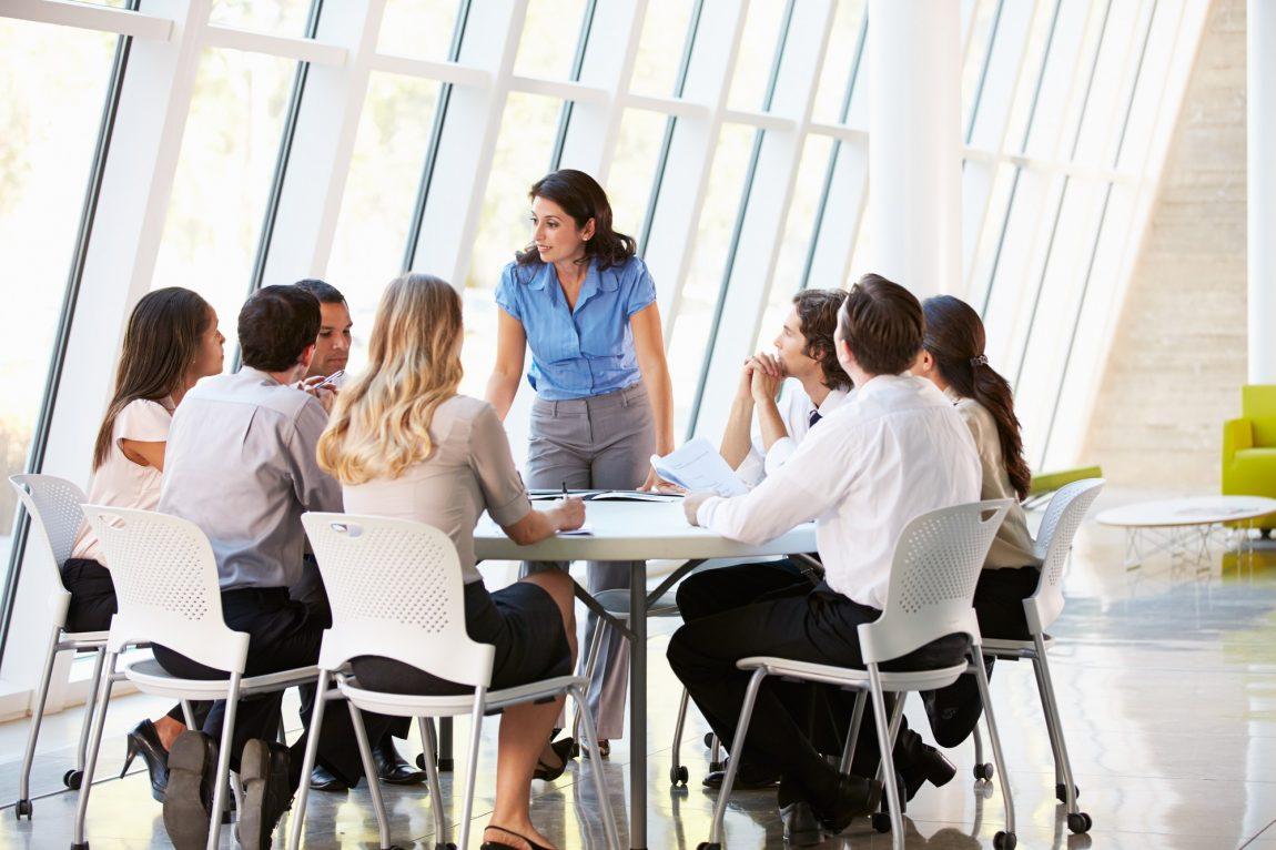 Cum sa creezi angajati entuziasmati de viziunea afacerii tale