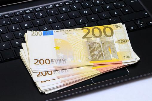 Fonduri europene nerambursabile pentru digitalizarea IMM-urilor